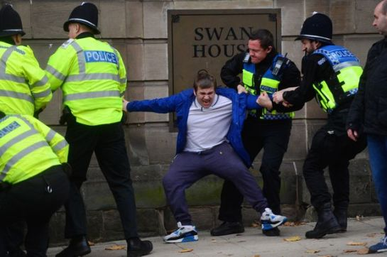 Britain First supporter David Davis being arrested at far-right rallyBritain First supporter David Davis being arrested at far-right rally